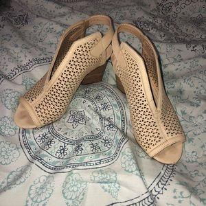 Vince Camuto Tan booties open toe